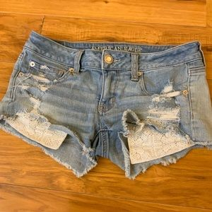 AEO Distressed Crochet Pocket Denim Shorts